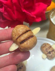 Honeybees: Simple Kids Snack Recipe