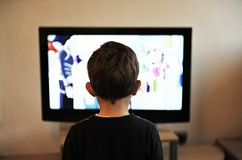 http://albuquerque.citymomsblog.com/wp-content/uploads/sites/69/2016/04/Kid-Crack-TV-Screen-Time.jpg
