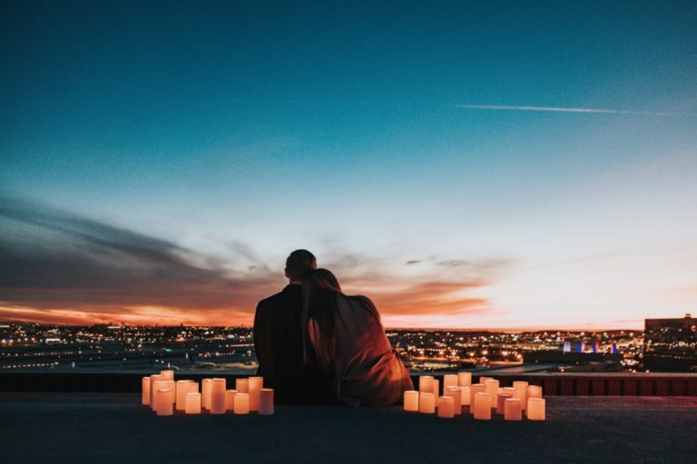 couple- Albuquerque Moms Blog