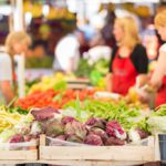 Fun at the Farmers Market :: 5 Ways to Enjoy the Market with Kids