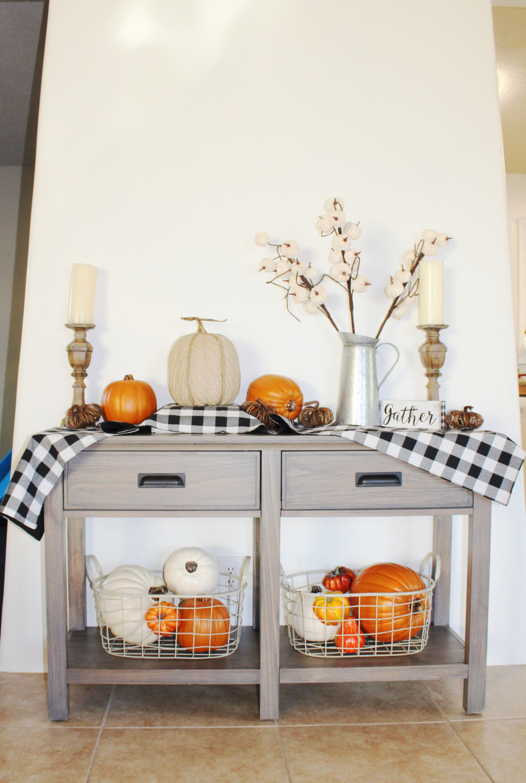 It\'s Fall, Y\'all! Simple Fall Home Decorating Ideas