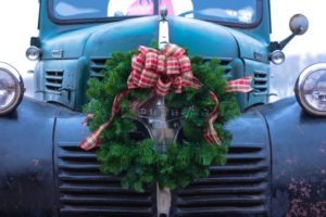 Traditions Change as Life Changes :: Truck Stop Dinners & Fresh Cut Trees from Albuquerque Moms Blog