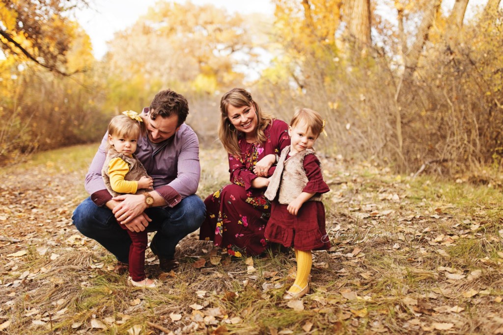 Your Style Guide For Family Photos :: Tips From a Pro Photographer from Albuquerque Moms Blog