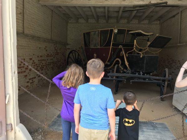 Children see Mt. Vernon Carriage Albuquerque Mom's Blog