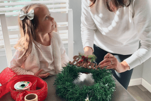 DIY HOLIDAY WREATH, ALBUQUERQUE
