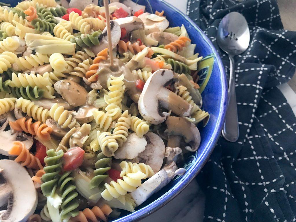 """Make It Mine"" Pasta Salad :: A Versatile Summer Side Dish || Albuquerque Mom Collective"